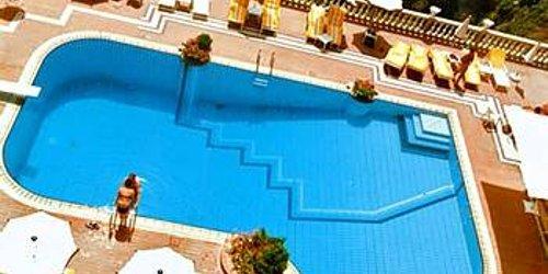 Забронировать Hotel Villa Riis