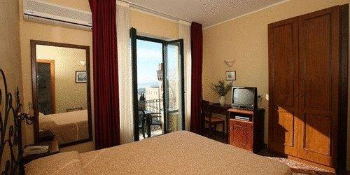 Забронировать Hotel Del Corso