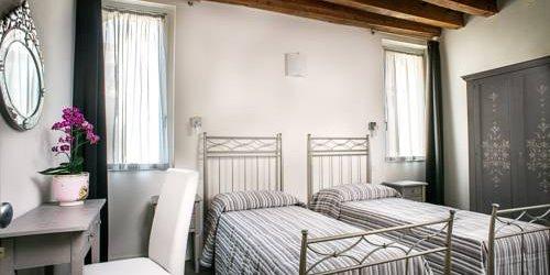 Забронировать Hotel Antica Porta Leona
