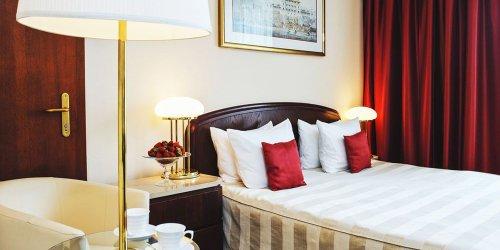Забронировать Crown Piast Hotel & Park