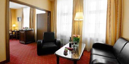Забронировать Hotel Wolne Miasto