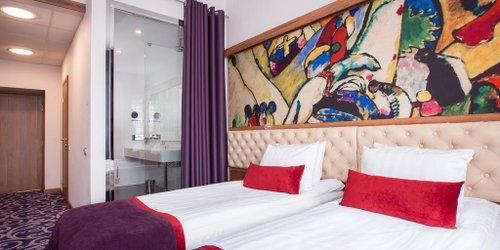 Забронировать Oktiabrskaya Ligovskiy building