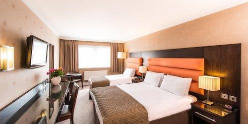 Забронировать Edinburgh Capital Hotel