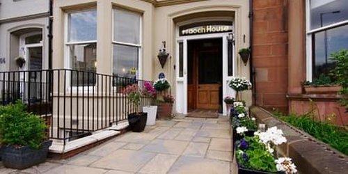 Забронировать Fraoch House