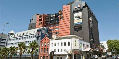 Забронировать Cape Town Lodge Hotel