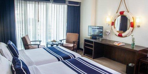 Забронировать A-ONE The Royal Cruise Hotel