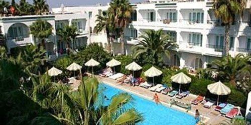 Забронировать Emira Hotel