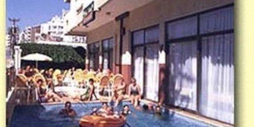 Забронировать Dias Hotel