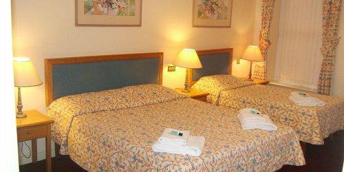 Забронировать Throstles Nest Hotel