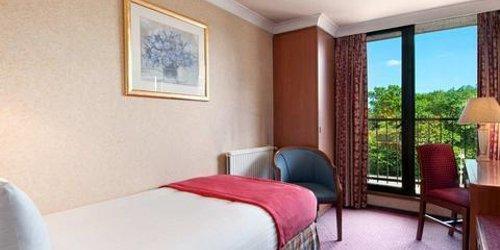 Забронировать Hilton Birmingham Metropole Hotel