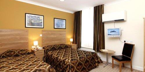 Забронировать Russell Court Hotel