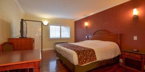 Забронировать Hollywood City Inn