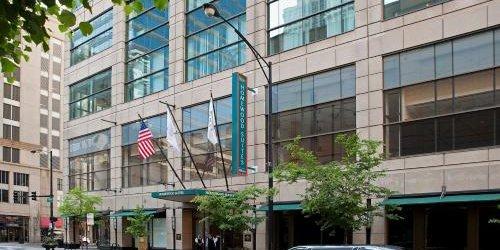 Забронировать Homewood Suites by Hilton Chicago-Downtown