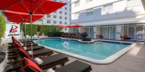 Забронировать Red South Beach Hotel