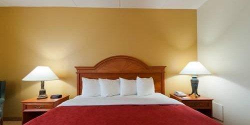 Забронировать Country Inn & Suites Orlando Airport