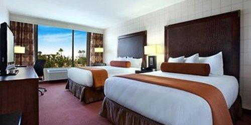 Забронировать Red Lion Hotel Anaheim