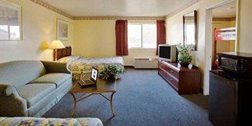 Забронировать Americas Best Value Astoria Inn & Suites