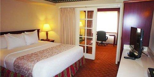 Забронировать La Quinta Inn & Suites Anaheim