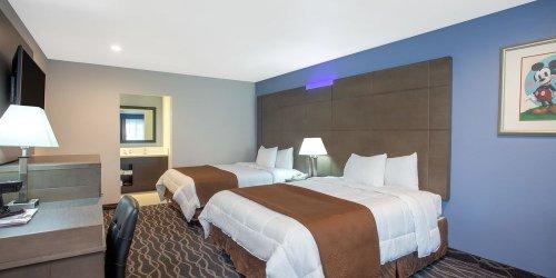 Забронировать Travelodge Inn and Suites Anaheim