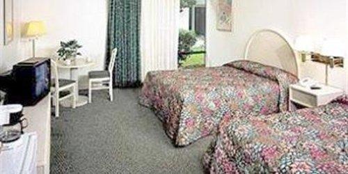 Забронировать Anaheim Plaza Hotel & Suites