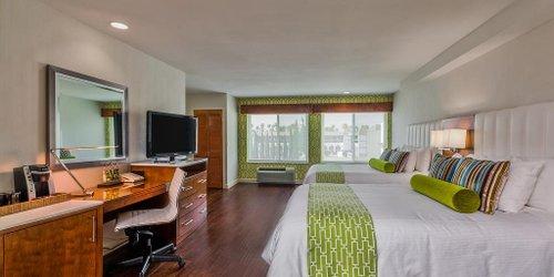 Забронировать Hotel Indigo Anaheim Maingate