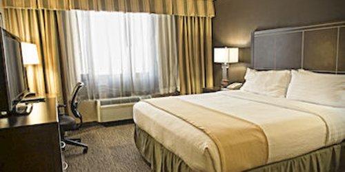 Забронировать Holiday Inn Hotel & Suites Anaheim