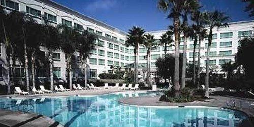 Забронировать DoubleTree by Hilton San Diego/Del Mar