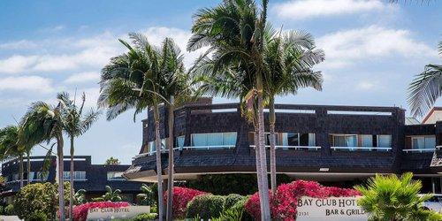 Забронировать Bay Club Hotel and Marina