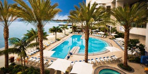 Забронировать Hilton San Diego Bayfront