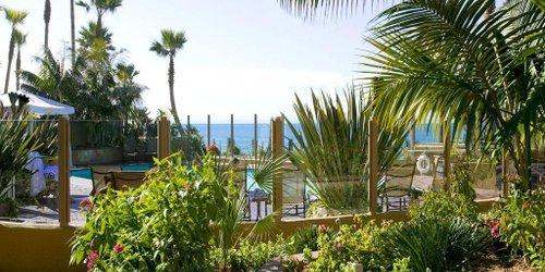 Забронировать Pacific Terrace Hotel