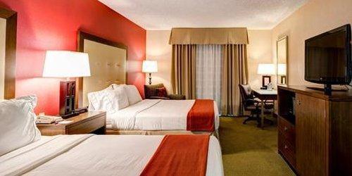 Забронировать Holiday Inn Express San Diego - Rancho Bernardo