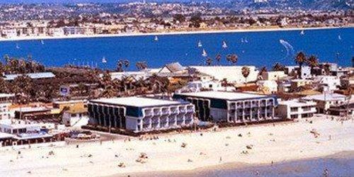 Забронировать Blue Sea Beach Hotel