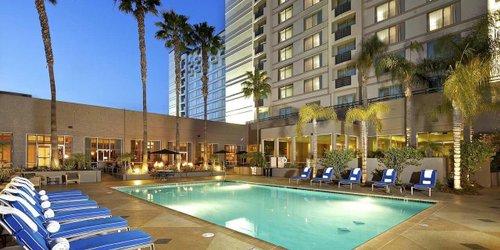 Забронировать DoubleTree by Hilton San Diego-Mission Valley