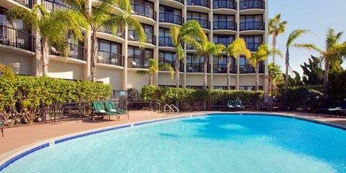 Забронировать Hilton San Diego Airport/Harbor Island