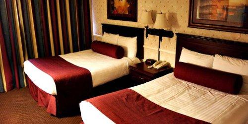 Забронировать Four Queens Hotel and Casino