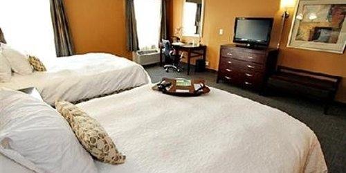 Забронировать Hampton Inn & Suites Seattle-Downtown