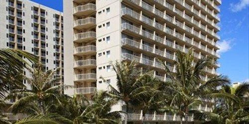 Забронировать Courtyard by Marriott Waikiki Beach