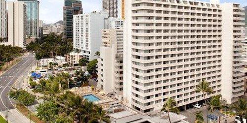 Забронировать Ambassador Hotel Waikiki