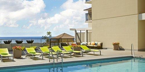 Забронировать Waikiki Parc Hotel