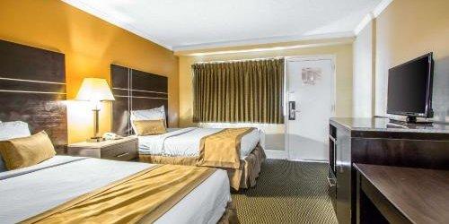 Забронировать Rodeway Inn Boardwalk