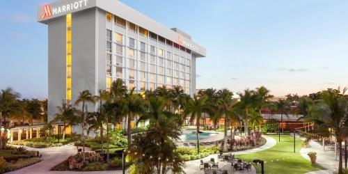 Забронировать Miami Airport Marriott