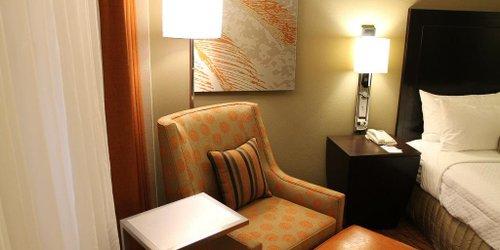 Забронировать Crowne Plaza Hotel Miami International Airport