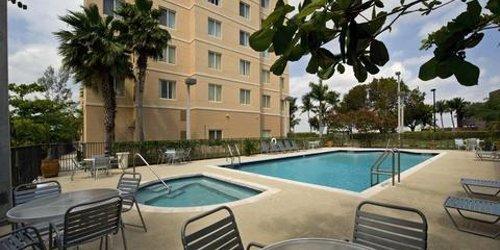 Забронировать Homewood Suites Miami Airport/Blue Lagoon