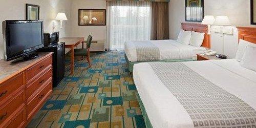 Забронировать La Quinta Inn & Suites Redding