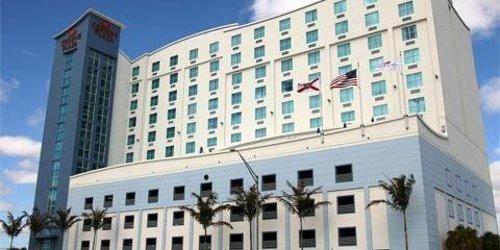 Забронировать Crowne Plaza Hotel & Resorts Fort Lauderdale Airport/ Cruise