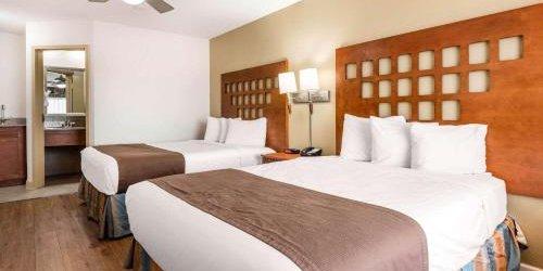 Забронировать Rodeway Inn & Suites Fort Lauderdale Airport & Cruise Port