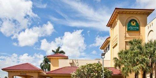 Забронировать La Quinta Inn & Suites Fort Lauderdale Cypress Creek
