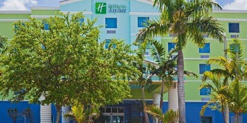 Забронировать Holiday Inn Express Hotel & Suites Fort Lauderdale Airport/Cruise Port