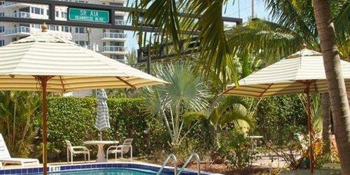 Забронировать Harbor Beach Inn
