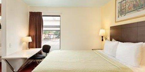 Забронировать Days Inn Austin/University/Downtown